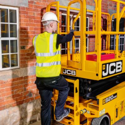 JCB Access Arbeitsbühne und Bediener